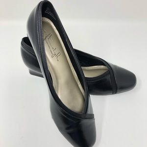 Soft Style Hush Puppy Black Low Heels Size 6